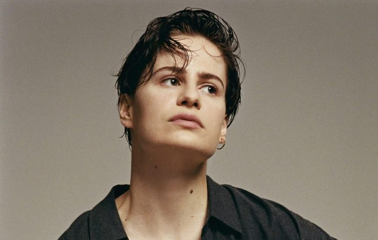 christine-and-the-queens-french-single-La-marcheuse-920x584.jpg
